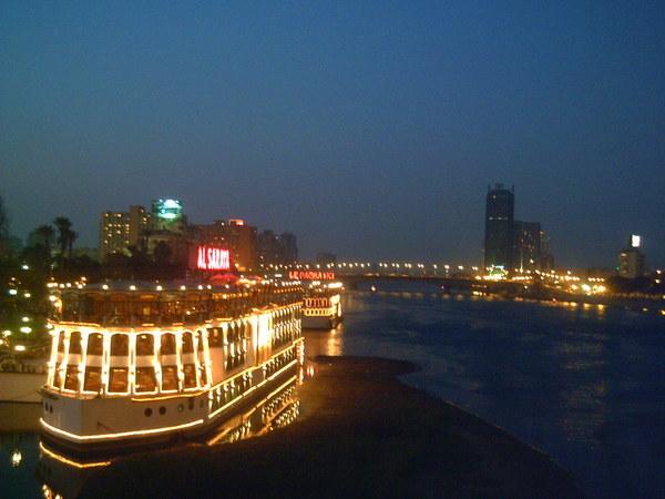 نهر النيل boat2.jpg